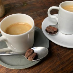 cafés avec graines de cacao maison