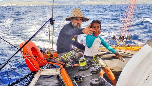 Captain Pol et Swan 7 ans à la barre du trimaran